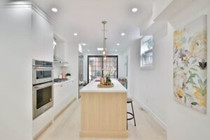 Sophisticated and Clean Look Kitchen